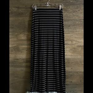Old Navy Black and White Striped Small Maxi Skirt